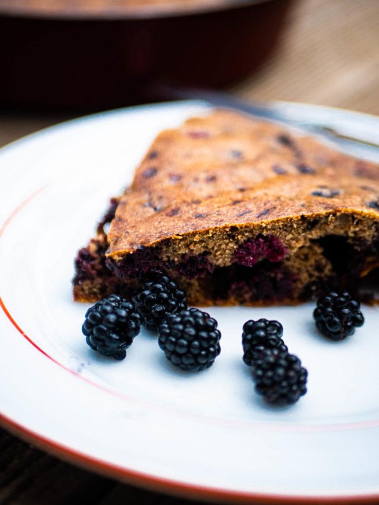 gluten-free-blackberry-cake-homemade
